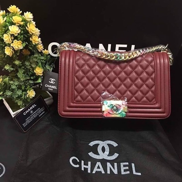 Chanel boy ส่งฟรี