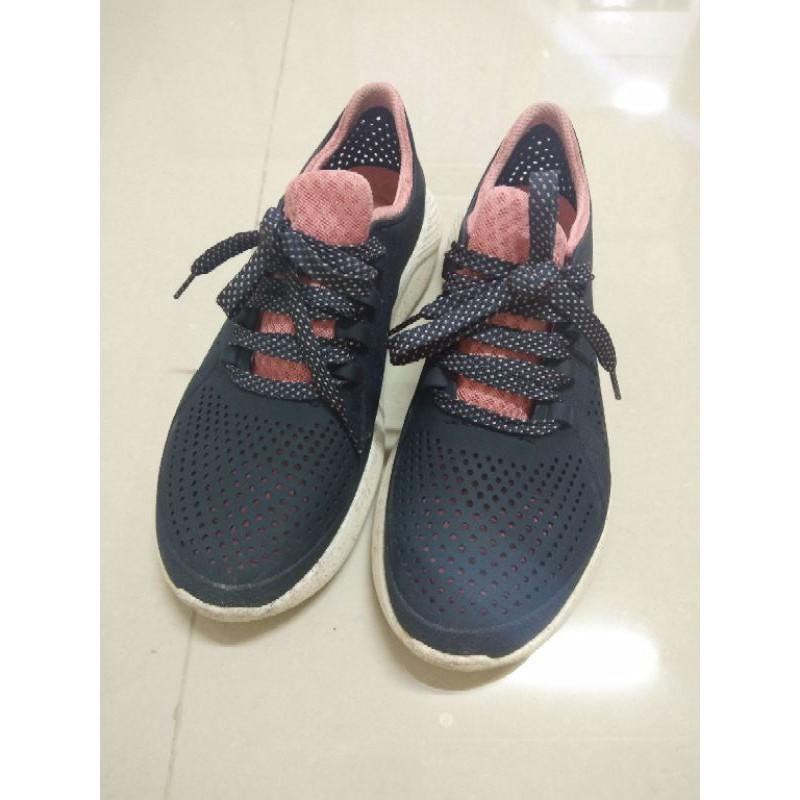 รองเท้าผ้าใบcrocs มือสอง 38-39 หญิง
