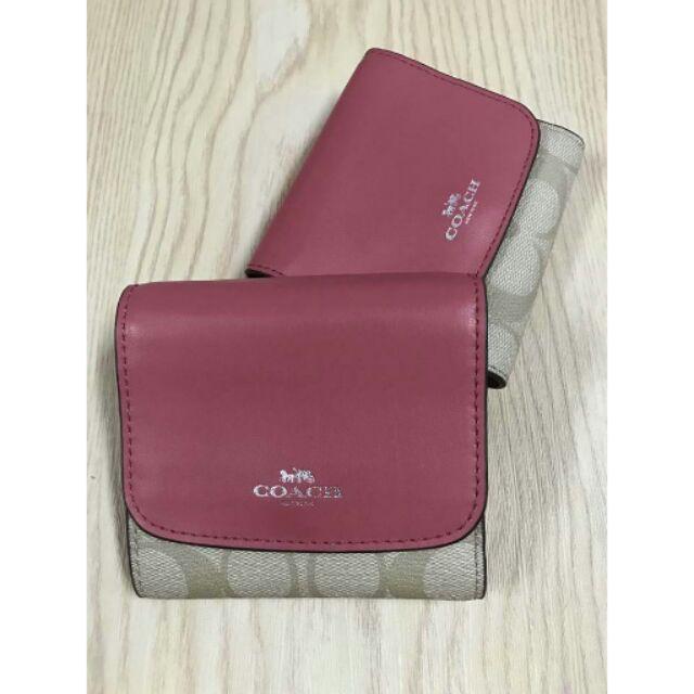 กระเป๋าสตางค์ Coach ใบสั้น 3 พับสีชมพู