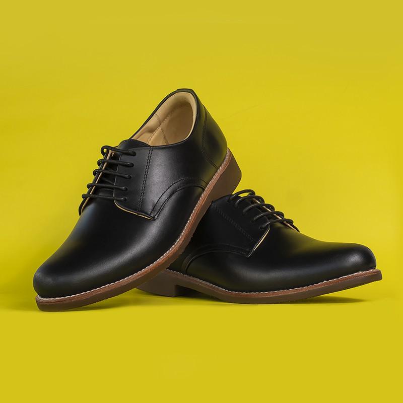 รองเท้าหนังแท้ ลำลอง คัชชู ผู้ชาย หุ้มส้น แบบผูกเชือก หนังออยล์ สีดำ StepPro Derby Shoes Code 911