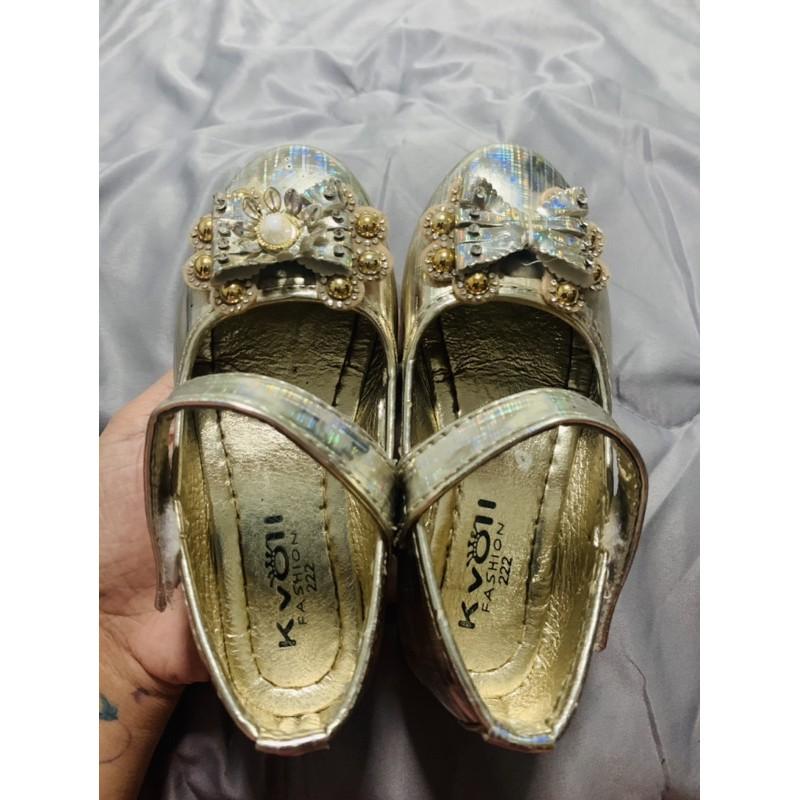รองเท้าคัชชูเด็กหญิง