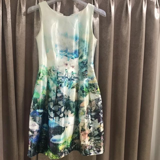 USED: เดรสสั้น Zara ผ้าไหมเป็นทรงอย่างดีพิมพ์ลาย สวยหรูม