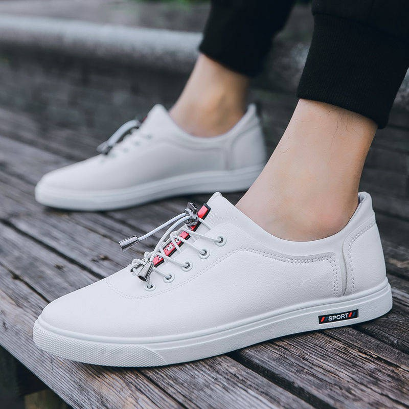 รองเท้าชาย รองเท้าคัชชูผู้ชาย 2020 รองเท้าใหม่รองเท้าหนังลำลองผู้ชายรุ่นเกาหลีของแนวโน้มรองเท้าสีดำผู้ชายรองเท้ากันลื่นก