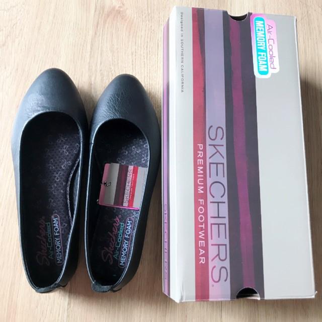 🌟พร้อมส่ง🌟SKECHERS Air-Cooled Memory Foam รองเท้าคัชชู สีดำล้วน หนังนิ่ม ใส่สบายสุดๆ