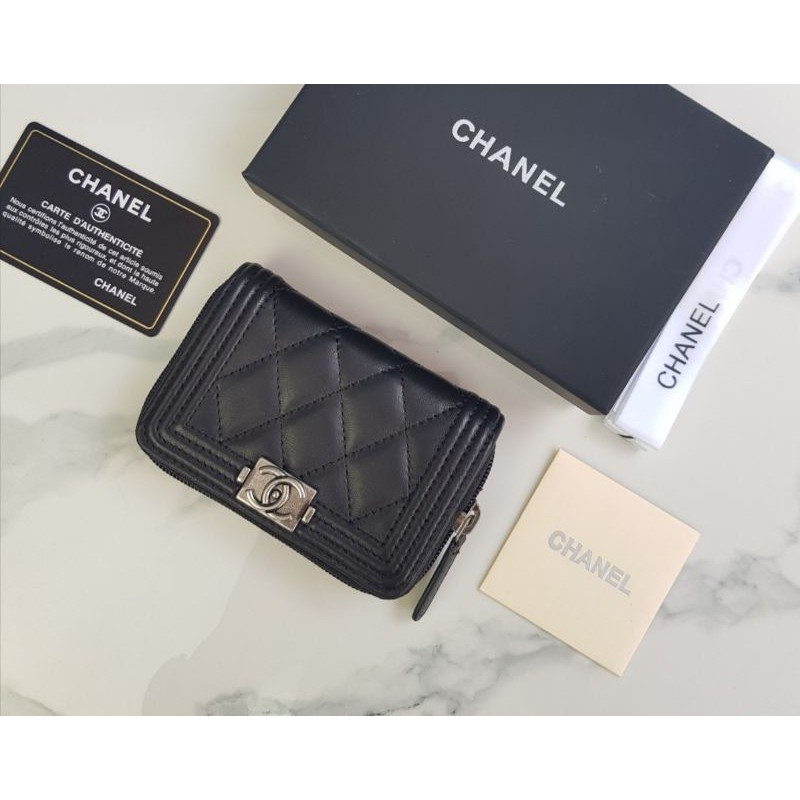 Chanel​ boy​ zipp​y​ wallet​ VIP