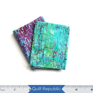 Quilt Republic ผ้าลาย Island Batik Stone Dot mixed Berries Jewelbox