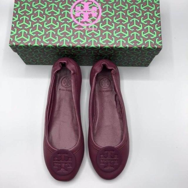 การซื้อของแท้】TORY BURCH BALLET FLAT SHOES รองเท้าคัชชู แบรนด์เนม