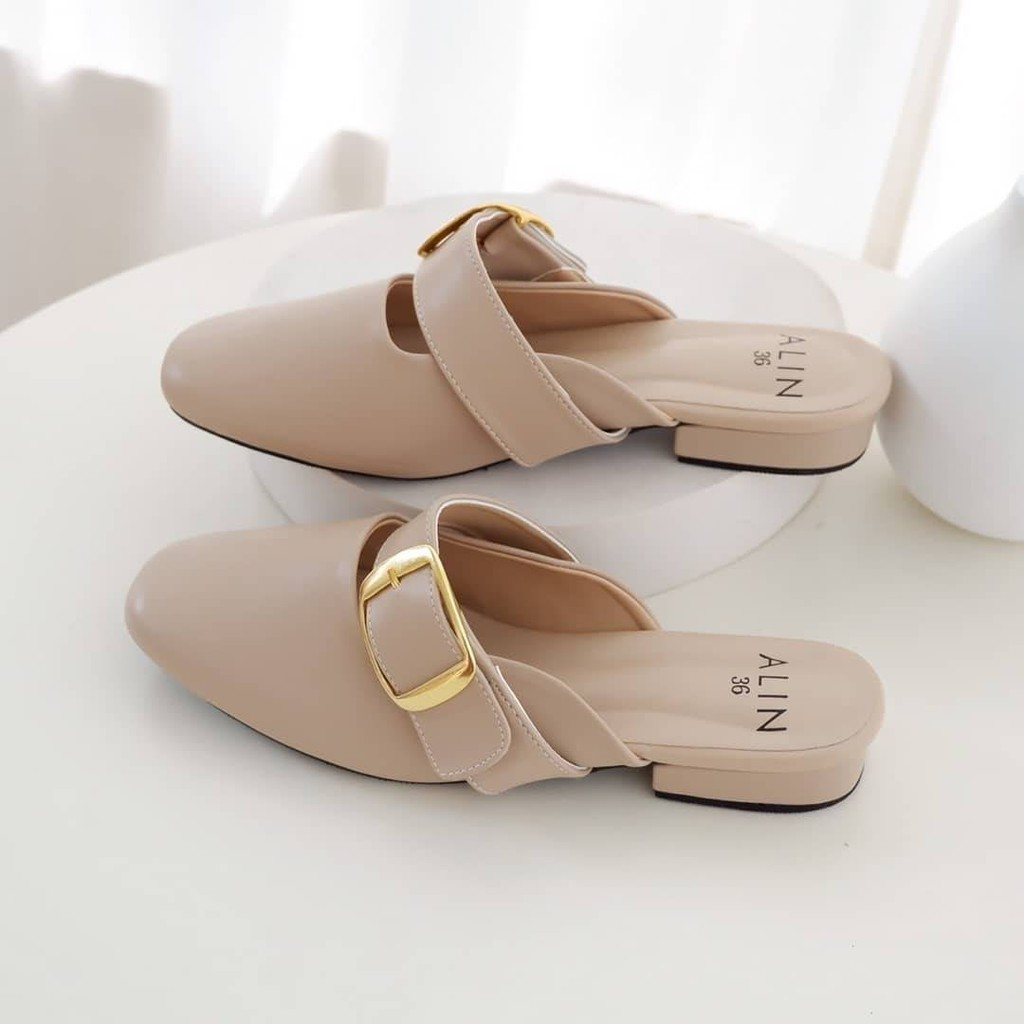 ( ( ( KKเข็มขัดทอง*สีครีม ) ) )*สวยมากคะ*อย่าลืม+size*ทรงรองเท้าเล็ก*ความสูงประมาน1CM