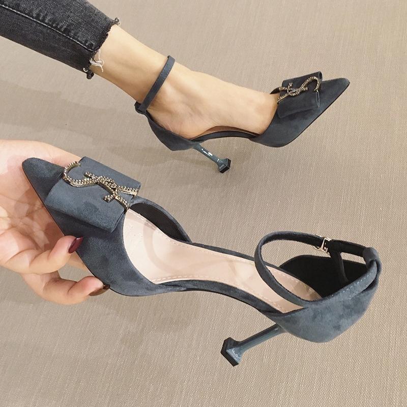 รองเท้าผู้หญิง รองเท้าคัชชูผ้ากำมะหยี่ รองเท้าส้นสูง สองเท้าส้นเข็มแฟชั่น ส้นสูง 8 Cm