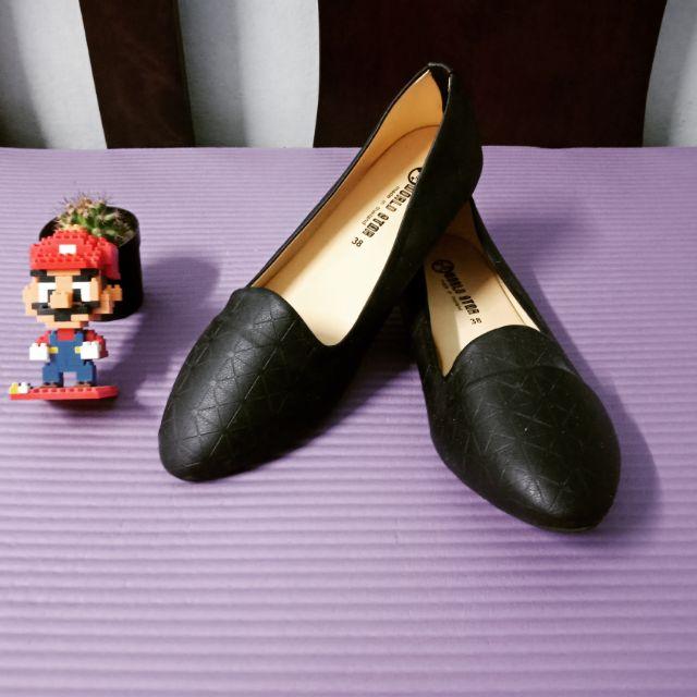 รองเท้าแฟชั่นส้นแบน  รองเท้าคัชชูสีดำ