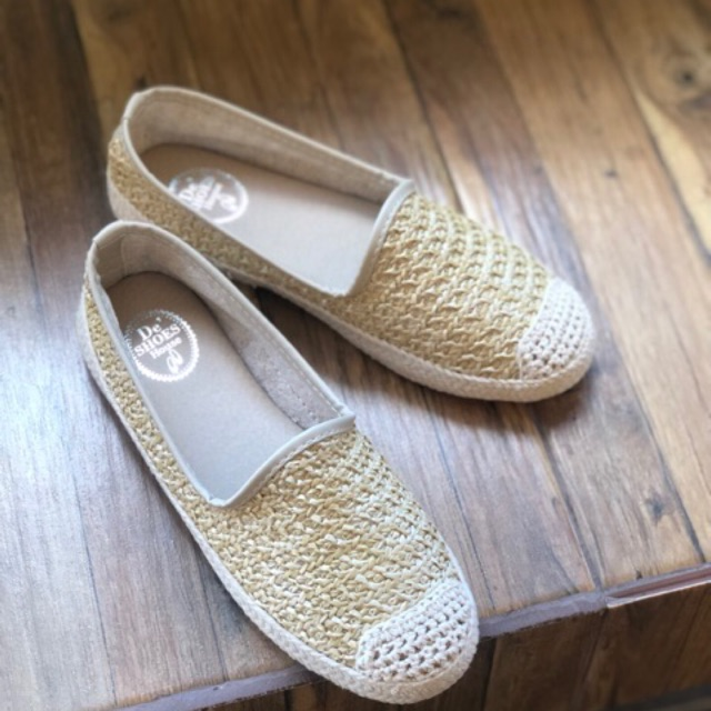 รองเท้าผู้หญิง คัชชูลูกไม้