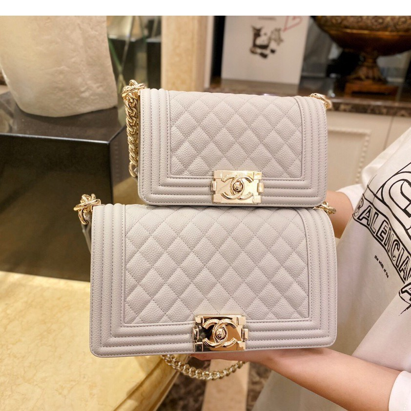 Genuine European Chanel Ie Boy rhombic leather ladies shoulder bag Two sizes are very popular