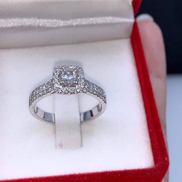 แหวนเพชรเรือนทอง9เค ฝังเพชรแท้เม็ดยอด30ตัง บ่า48/0.36กะรัต ราคา17,000