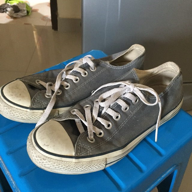 รองเท้าconverse มือสอง