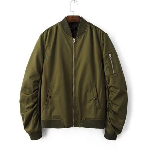 เสื้อแจ็คเก็ตชายทึบ Flight Army Green Bomber Jacket