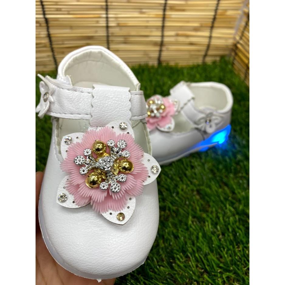 รองเท้าคัชชูเด็กผู้หญิง มีไฟ 8628