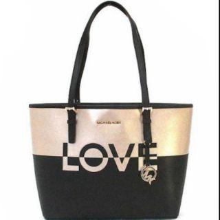 Michael Kors Jet Set Carryall Travel Medium LOVE Bag Ballet