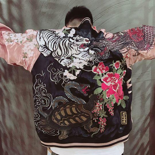 SUKAJAN พรีเมียมเกรด Japanese Souvenir Jacket  แจ็คเกตซูกาจันลายสี่เทพฟีนิกซ์เพลิงแขนสีนู๊ด