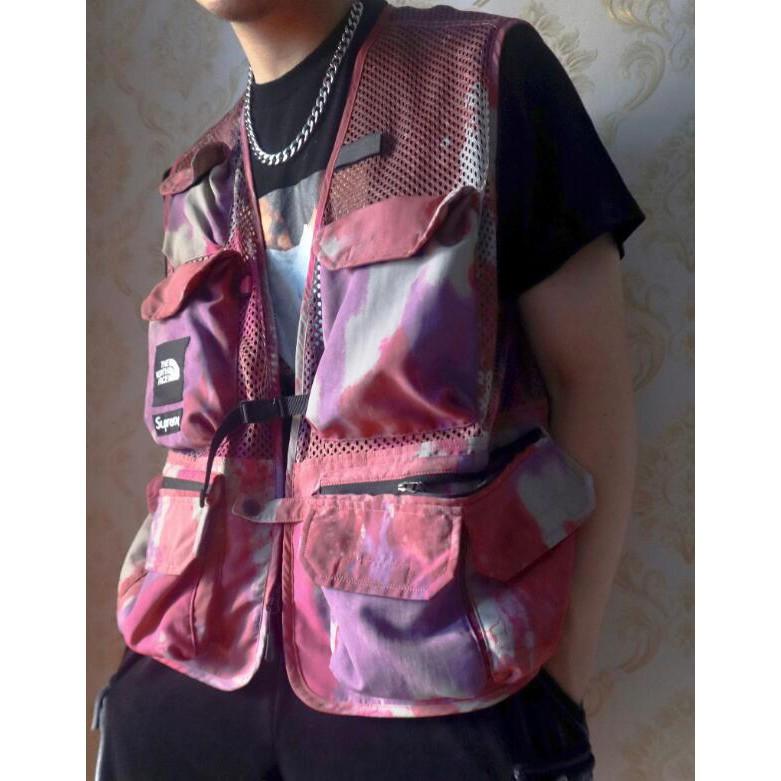 Supreme & The North Face แฟชั่นผ้าฝ้ายแท้หลายกระเป๋าเครื่องมือเสื้อลายพรางเสื้อกั๊กมัดย้อมคู่รัก unisex (ฟรีถุงบรรจุภัณฑ์อย่างเป็นทางการ, ถุงสิริ)
