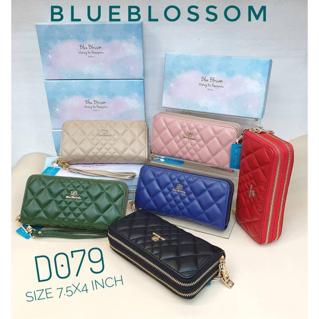 กระเป๋าสตางค์ใบยาว Blue Blossom 2 ช่อง ขนาด 7.5นิ้ว แบรนด์แท้ 100% แถมกล่อง No. D079