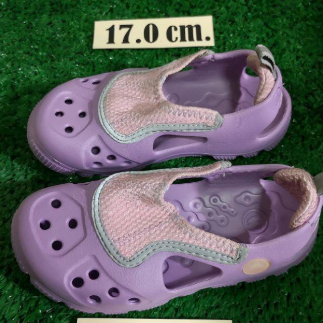 รองเท้าเด็ก crocs มือสอง สภาพสวย