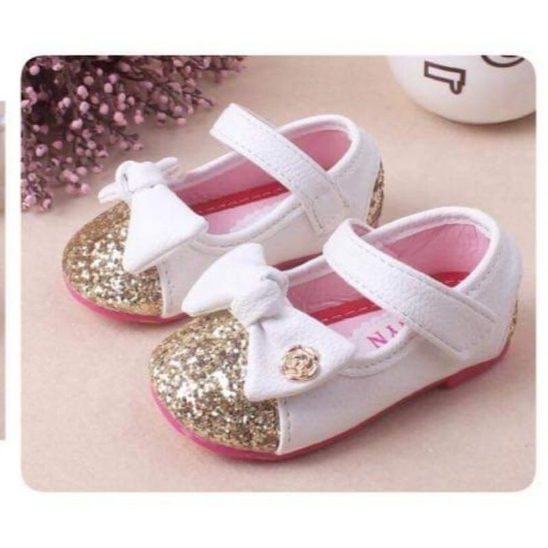 รองเท้าคัชชูเด็กหญิง B75  รองเท้าเด็กออกงาน พร้อมส่งจากไทย