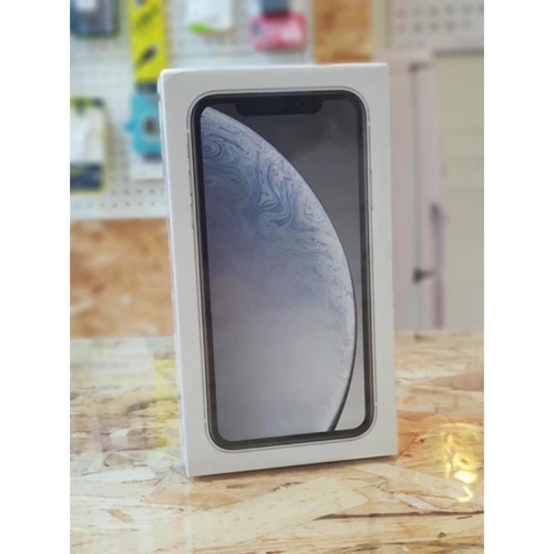 มือสอง  Apple iPhone  XR  เครื่องแท้  64GB/ 128GB/ 256GB