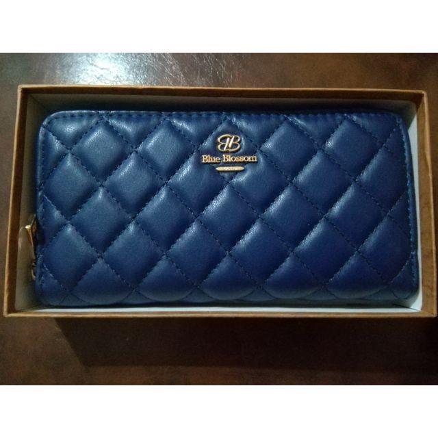 กระเป๋าสตางค์ Blue Blossom ของแท้ ใช้แล้วรวย