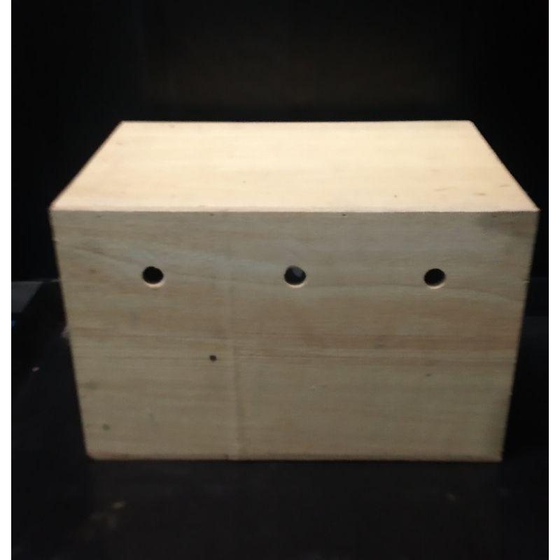 👍✅💯☎กล่องเพาะไซส์ E :  กล่องเพาะนกค็อกคาเทล ซันคอนนัวร์ รังฟักไข่ บ้านนก บ้านกระรอก ซูการ์ไกรเดอร์