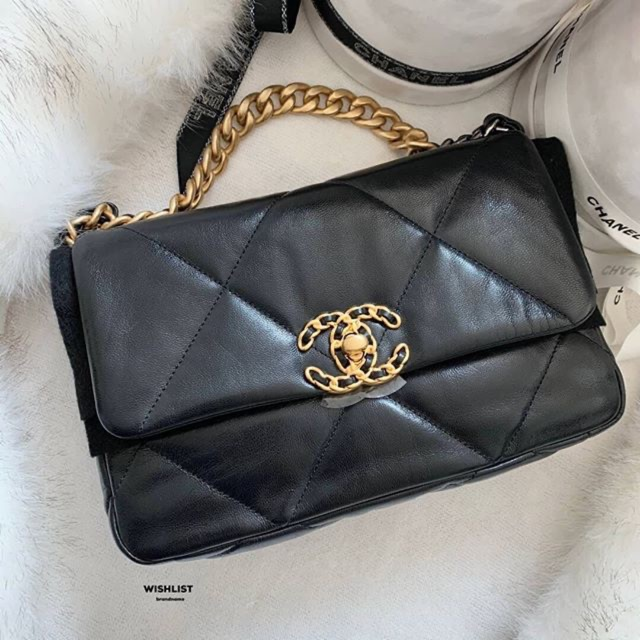 New Chanel 19 Flap Bag 26 Black  Goat skin holo29 full set