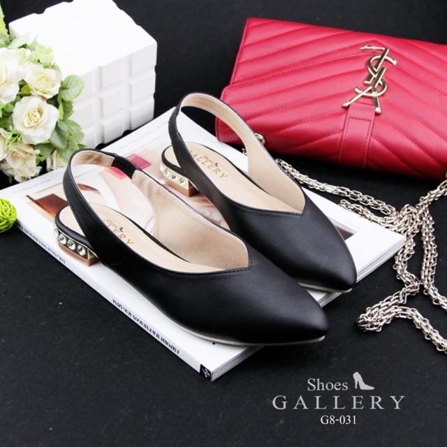 รองเท้าคัชชูส้นเตี้ยสีดำ