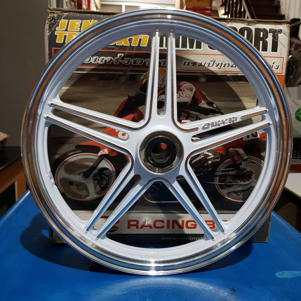 ล้อแม็ก Racingboy 5 ก้าน ใส่รถ Mio , Fino  ขอบ 14 สีขาว  ขนาดวงล้อ ด้านหน้า 1.60X14  ด้านหลัง 1.85X14