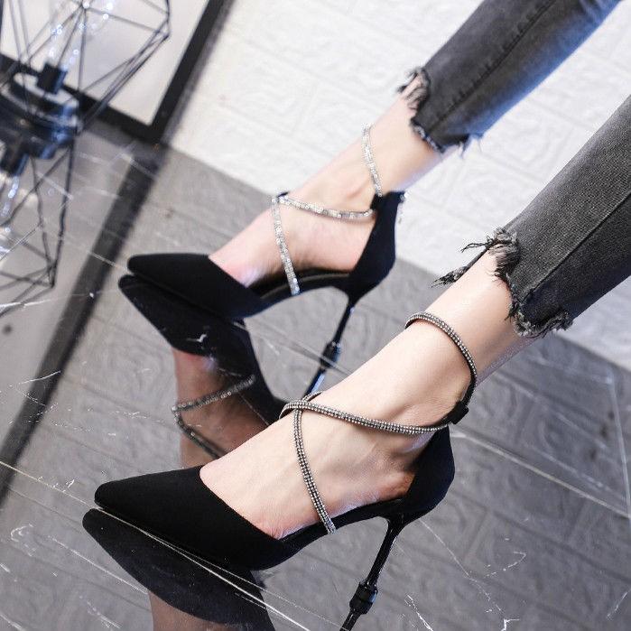 มีสินค้า 🌈🌈 รองเท้าลูกไม้ไขว้ รองเท้าหัวแหลม รองเท้าส้นสูงผู้หญิง รองเท้าแฟชั่นผู้หญิง รองเท้าคัชชูสีดำ