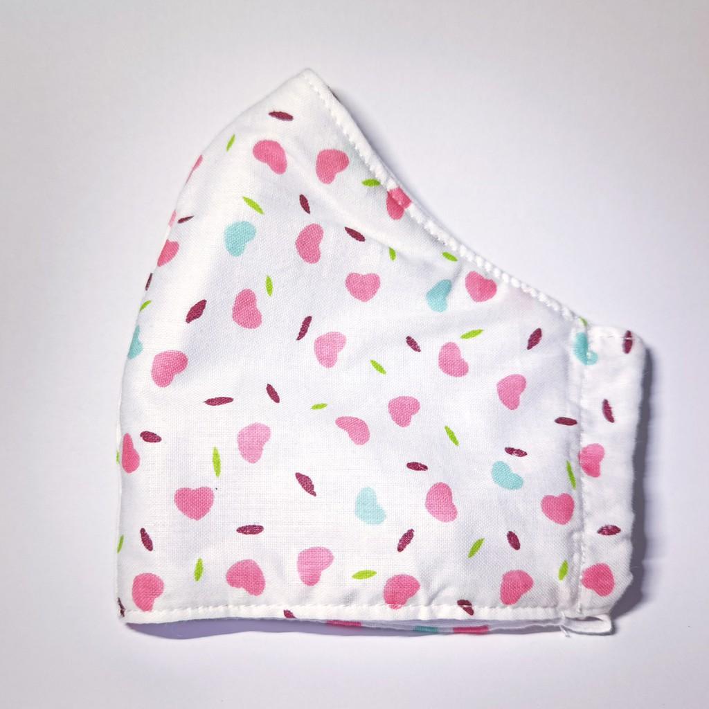 ลายหัวใจ - หน้ากาก กรองฝุ่น, หน้ากาก ผ้า สวยๆ, ผ้าปิดจมูก, หน้ากาก ผ้า มัสลิน 3 ชั้น cotton 100% มีช่องใส่ฟิลเตอร์