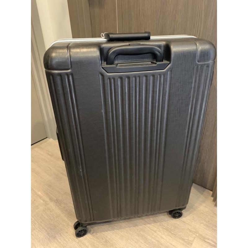 กระเป๋าเดินทาง ขนาด 28 นิ้ว มือสอง