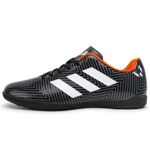 รองเท้ามือสองสภาพดี รองเท้าสตั้ดร้อยปุ่ม. รองเท้าฟุตบอล รองเท้าฟุตซอลราคาถูกๆ