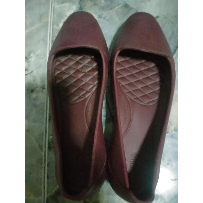 รองเท้าคัชชูโมโนโบmonobo