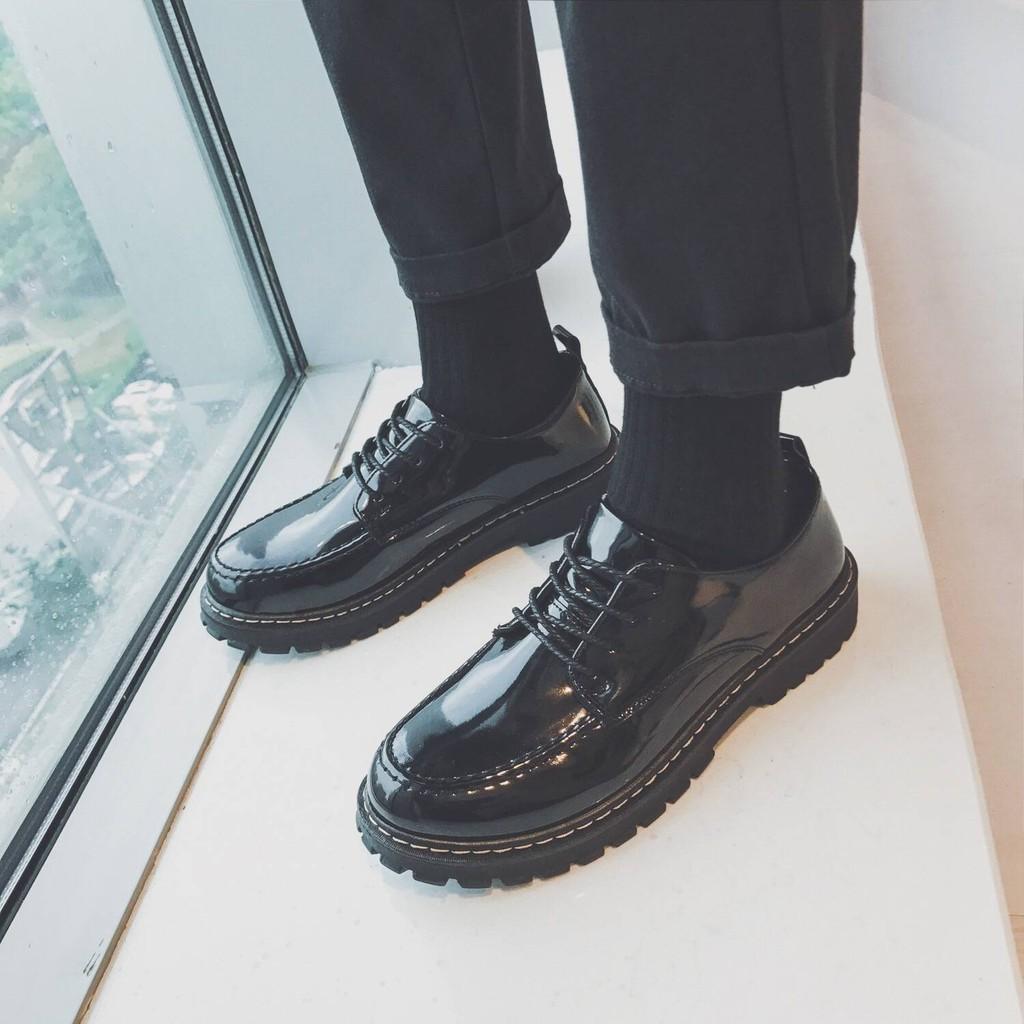 รองเท้าคัชชูผู้ชาย เกาหลีใต้ ulzzang รองเท้าหนังผู้ชายสีดำสไตล์เกาหลีหนังสดใสหัวกลมนักเรียนลูกไม้ขึ้นเยาวชนผู้ชายรองเท้า