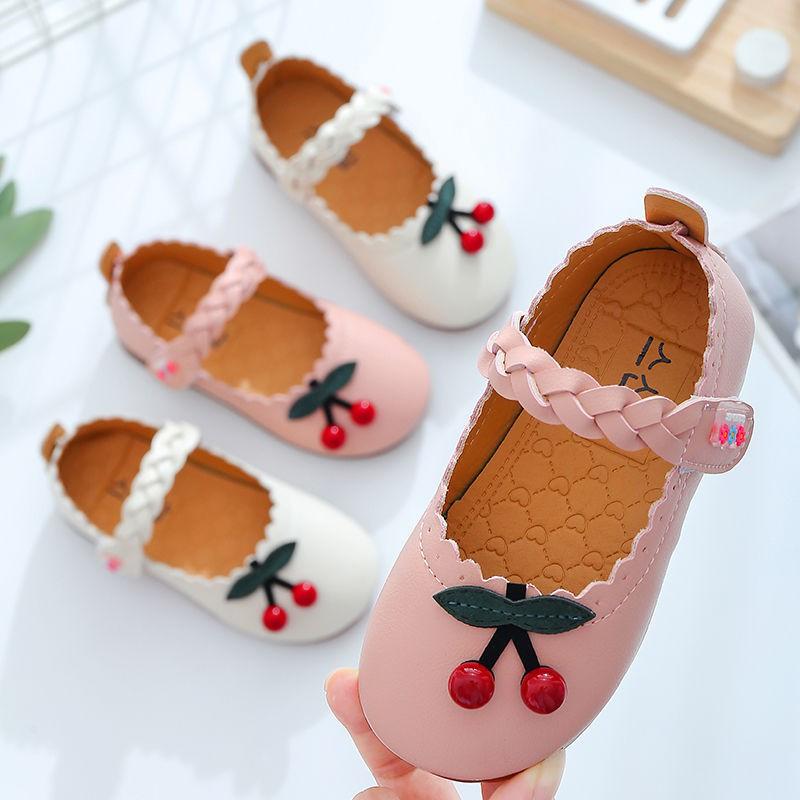 รองเท้าหนังเด็กผู้หญิงสีชมพูเชอร์รี่รองเท้าคัชชูหัวมนสำหรับสาวน่ารักพื้นรองเท้านุ่มกันลื่น