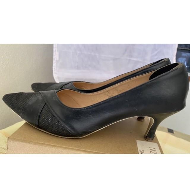 รองเท้า คัชชู 👠ส้นแหลม📍ส้นสูง 1.5 นิ่ว🦋หัวแหลม