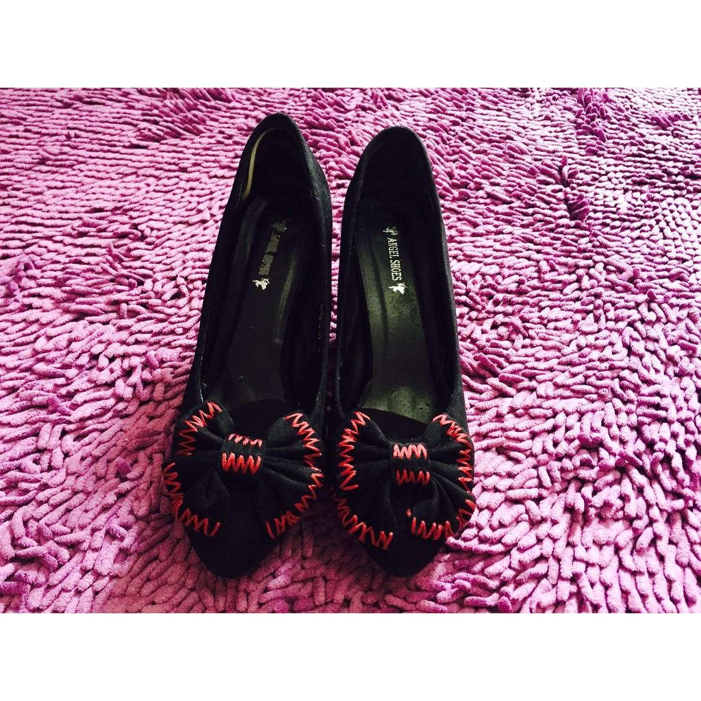 รองเท้าคัชชู หัวแหลม สีดำ ผ้ากำมะหยี่ ประดับโบว์เก๋ๆ