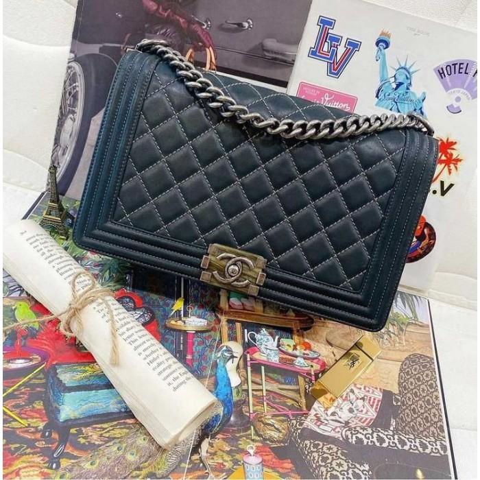 Chanel A92193 black calfskin diamond check silver buckle Boy28 cm crossbody bag shoulder bag (Zhongyou) 06503