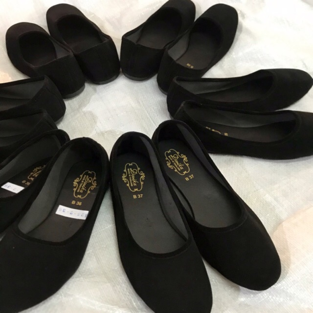 36-44 รองเท้าคัชชูส้นเตี้ย กำมะหยี่สีดำ ใส่เรียนใส่ทำงาน พื้นเรียบ ดำขน รองเท้านักศึกษา