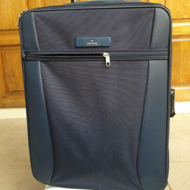 """Sale; 11.11 กระเป๋าเดินทาง SAMSONITE ขนาด 20"""" สีน้ำเงิน มือสอง"""