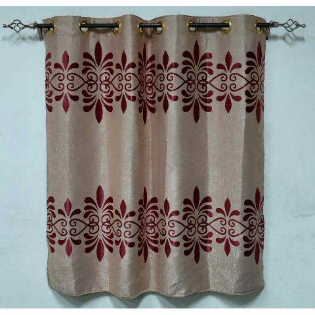 ผ้าม่านหน้าต่าง ผ้าม่านสำเร็จรูปแบบเจาะตาไก่  สีแดงลายดอกไม้