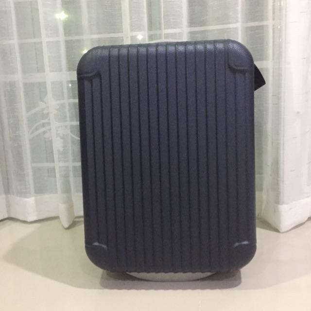 กระเป๋าเดินทางล้อลาก 18 นิ้ว
