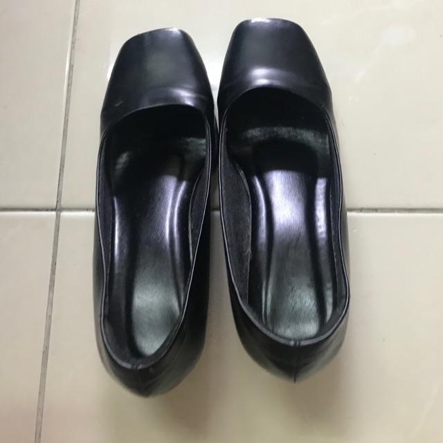 รองเท้าคัชชูพิธีการ สีดำ ส้นสูง 2 นิ้ว