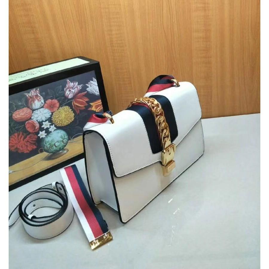gucci Gucci sylive series กระเป๋าถือไหล่ข้างเดียวกระเป๋าสะพายไหล่สไตล์ริบบิ้นกระเป๋า Dionysus กระเป๋าแฟชั่นสไตล์คนเมือง