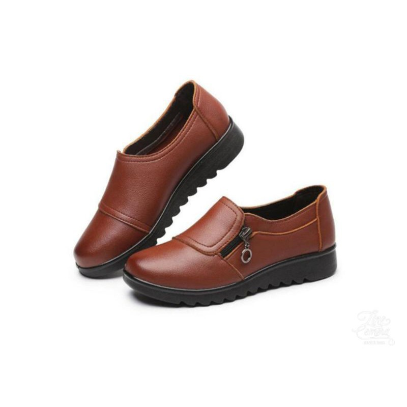 รองเท้าคัชชูหนังนิ่ม สีดำ สีน้ำตาล