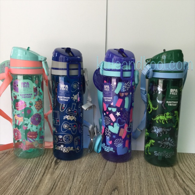 Smiggle 🌸 กระติกน้ำ มีสายสะพาย Smiggle water bottle with strap